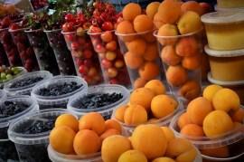 Melocotones, Fresas y Moras - Peaches, Strawberries and Blackberries