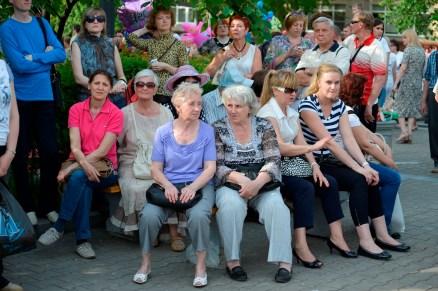 Público Sentado - Seated Public