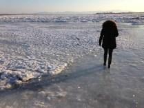 Andar por el hielo empieza a ser complicado - Walking over the ice starts to be difficult