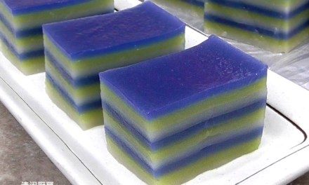 Natural 3-Colour 9-Layer Kuih Lapis