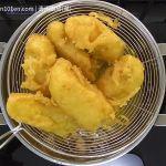 Crispy Deep-Fried Banana Fritters (Pisang Goreng)