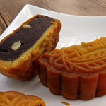 Making A Traditional Chinese Red Bean Mooncake – Classic Flavour