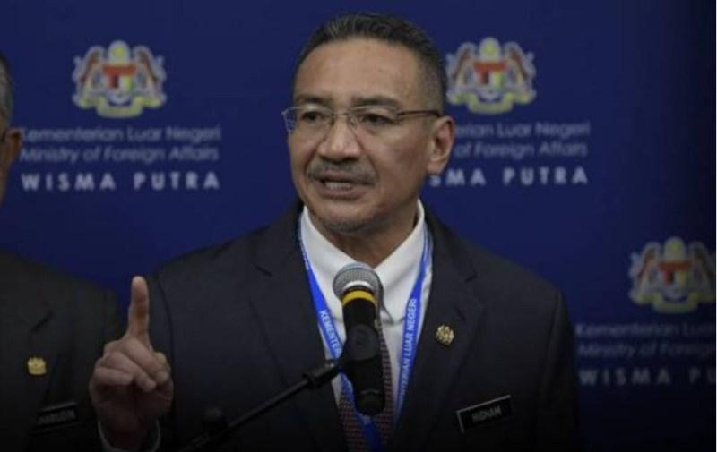 Kesahihan diragui, namun penahanan 'Dr Nur' masih dalam siasatan, kata Hishammuddin