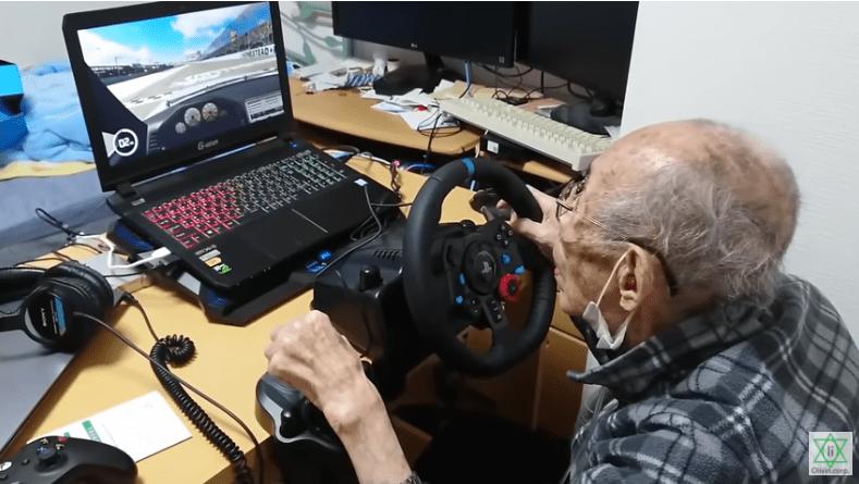 Youtuber 93 Tahun Bermain Video Game [VIDEO]