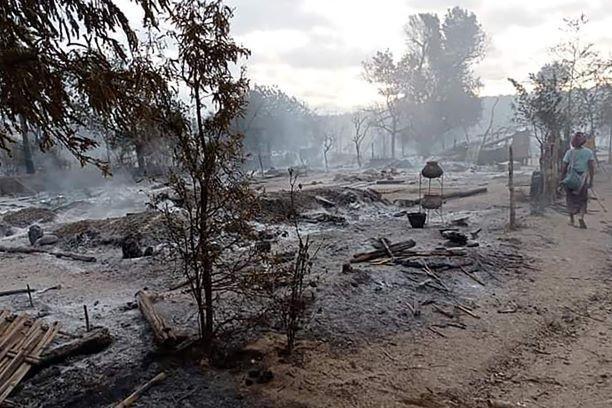 Junta Myanmar bakar 200 rumah penduduk di Kin Ma