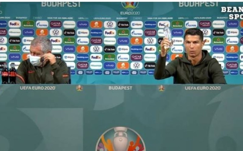 Euro2020: Ronaldo tolak tepi minuman Coca Cola tajaan kejohanan [VIDEO]