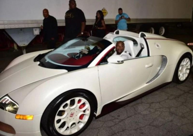 Floyd Mayweather belanja RM4j beli kereta untuk kawan-kawan