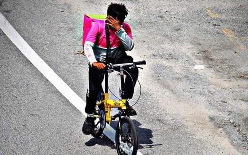 Pemilik syarikat motor 'tabik' kejujuran penghantar Foodpanda tolak tawaran bantuan motosikal