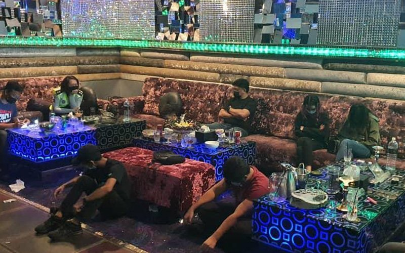 6 ditahan 'berseronok' di pusat hiburan ketika PKP