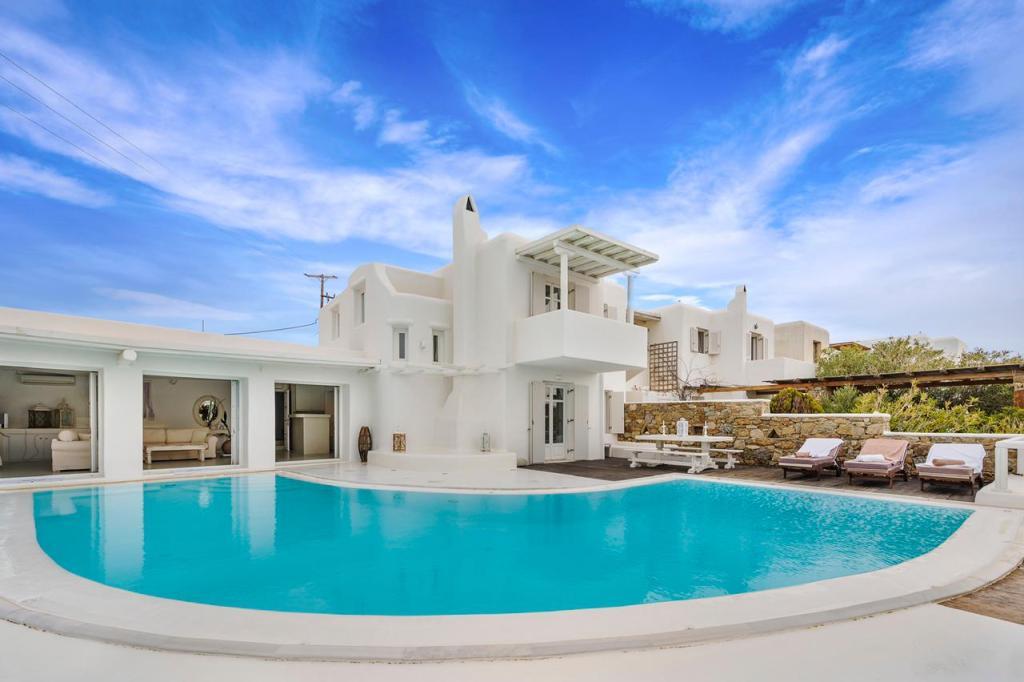 white villa mykonos - mykonos services concierge 1