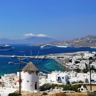 Best time to visit Mykonos island!