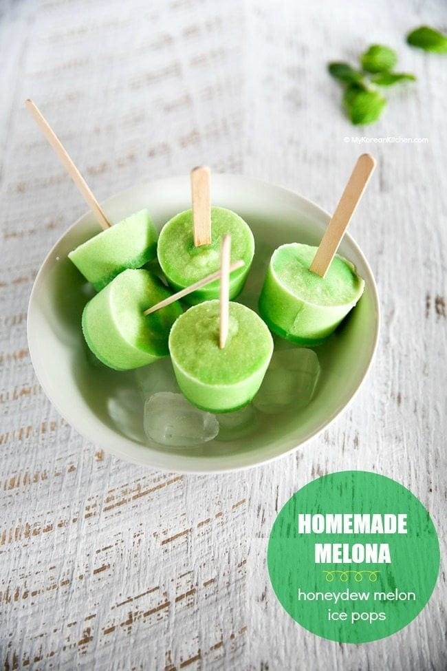 Melona Bar (Honeydew Melon Ice Pops) | MyKoreanKitchen.com