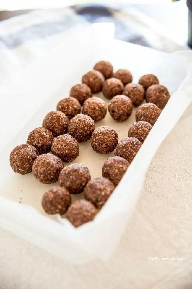 Nut Free Bliss Balls. A healthy kids snack! | MyKoreanKitchen.com