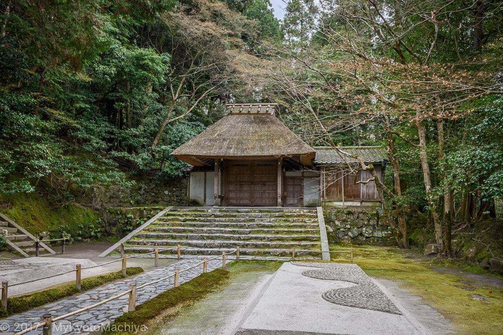 160402_Kyoto-Honen-In-Temple-Fall-