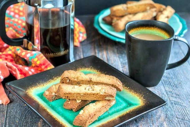 These gluten free maple walnut biscotti are the perfect low carb treat. Enjoy with a nice cup of coffee for an afternoon break or even as dessert! #ad #SilkandSimplyPureCreamers