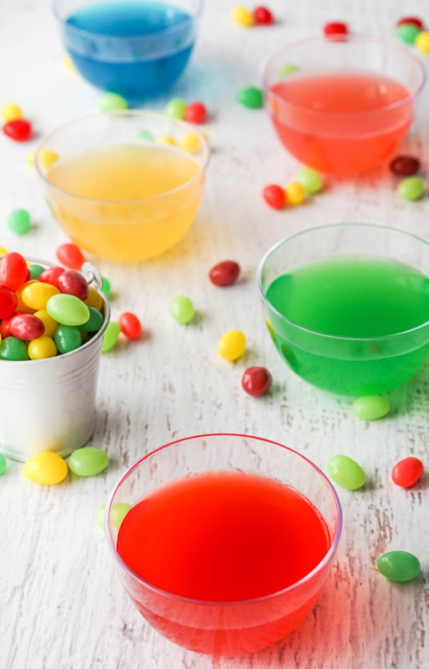 Looking for a low carb Easter treat? Try these low carb jelly bean gelatin snacks! Easy to make and virtually no calories or carbs and the added benefit of using healthy gelatin!
