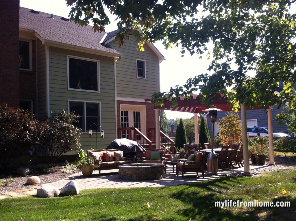 Outdoor Spaces by www.whitecottagehomeandliving.com