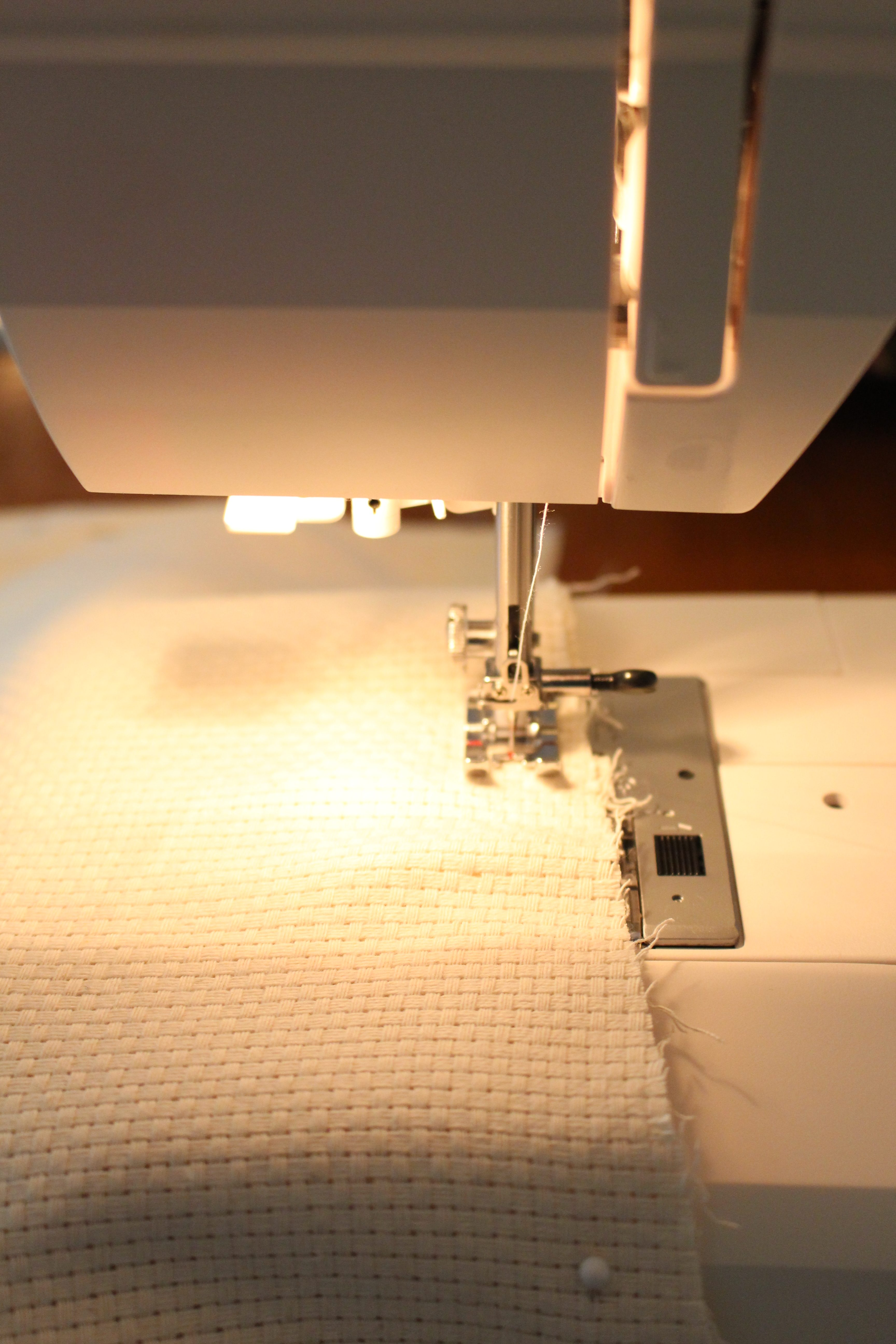 Sewing a pillow cover by www.mylifefromhome.com