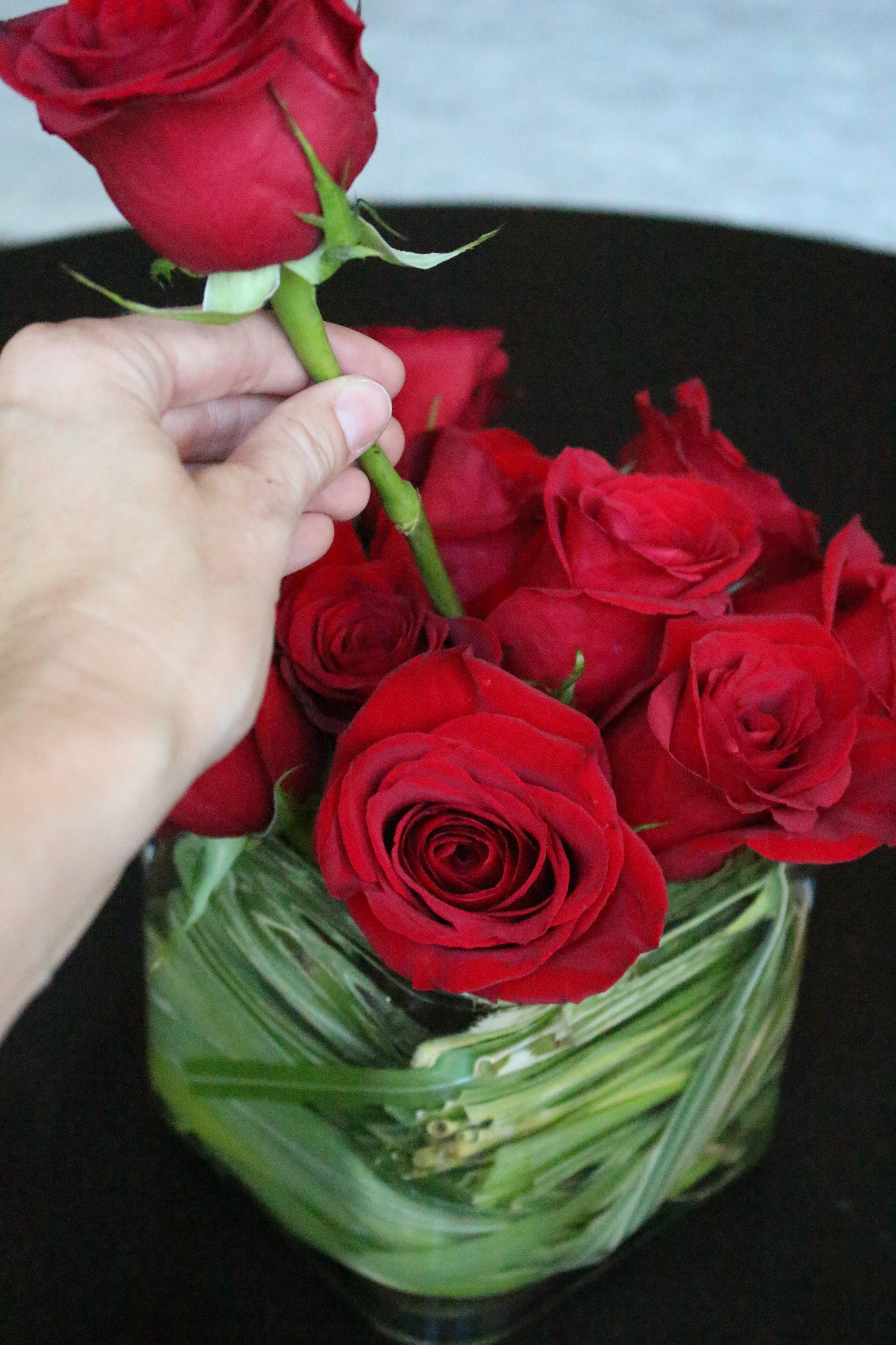 Run for the Roses Flower Arrangement | red roses | flower arranging | rose arrangement | simple flower arranging | hand bouquet | using grocery store bouquets