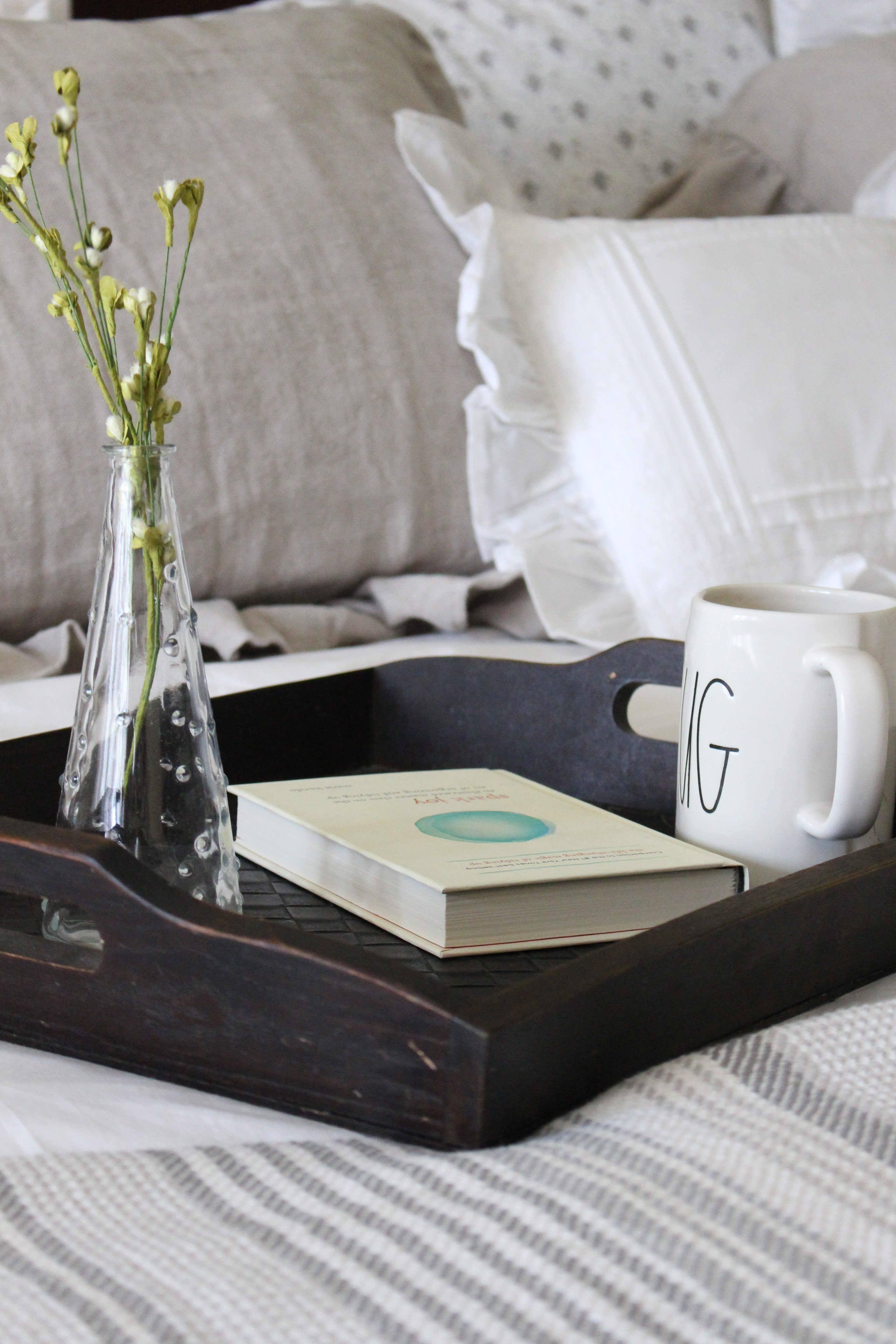 Bedroom Refresh- bed linens- white bed linens- annie selke- white sheets- master bedroom refresh- relaxing retreat- bedroom redesign