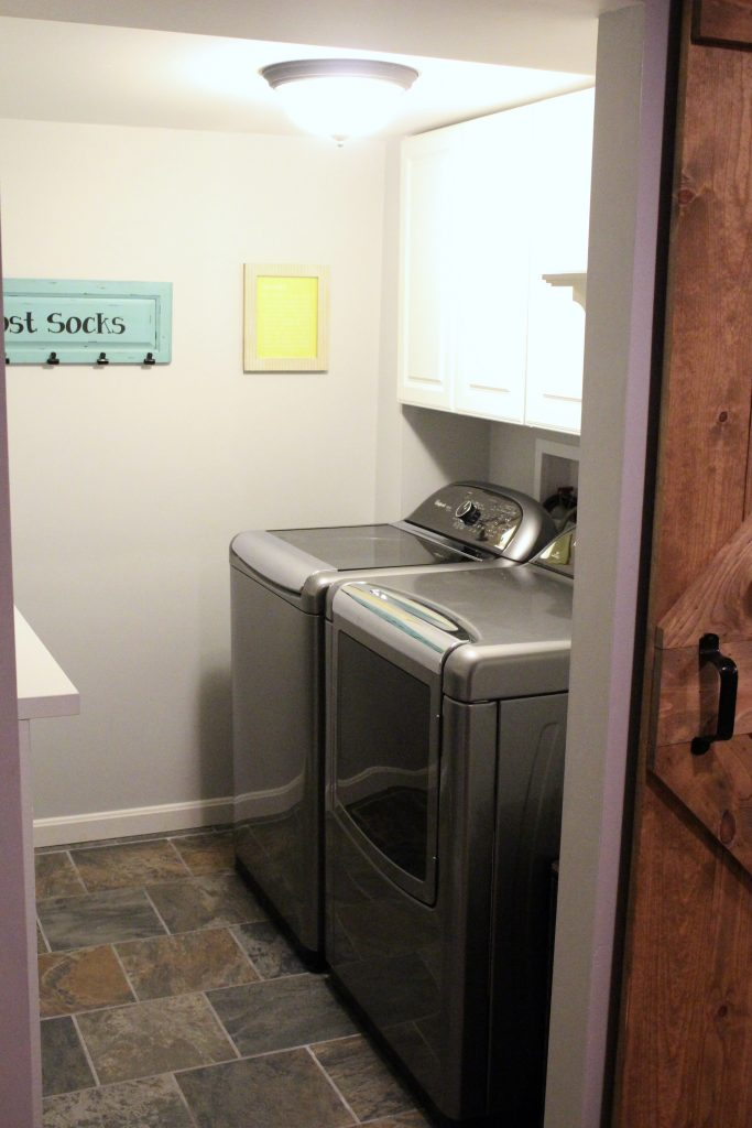 laundry room- small space laundry- tips for organizing a small laundry- laundry room- room by room- room decor ideas- Do it Yourself- DIY- room design- DIY projects