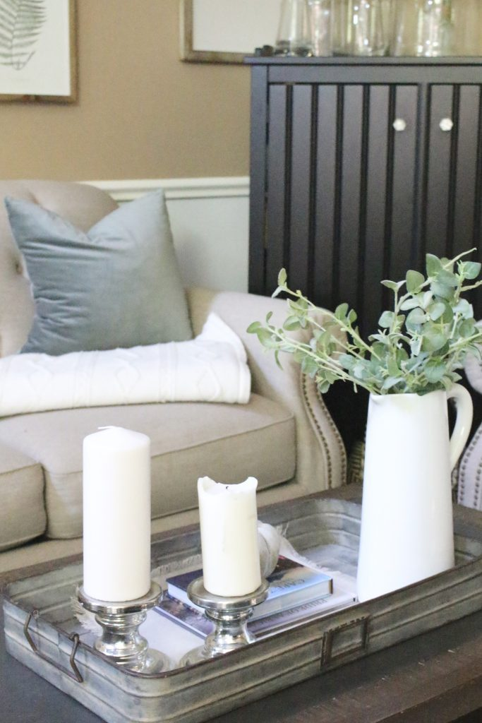 How to Style a Coffee Table- coffee table styling ideas- home decor- fall- seasonal coffee table- decor- home design- DIY- Do it Yourself Projects- tips on styling- coffee table- seasonal decor- pumpkins- white pitcher