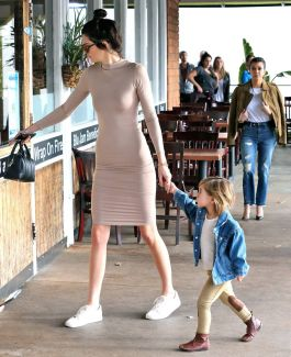 kendall-jenner-kenneth-cole-sneakers-4