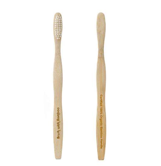 As escovas de dentes de bambu são uma forma ecológica de manter os dentes limpos durante a viagem.