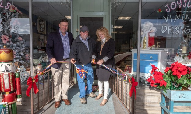 Joyfuls Vintage Designs cuts ribbon in new location