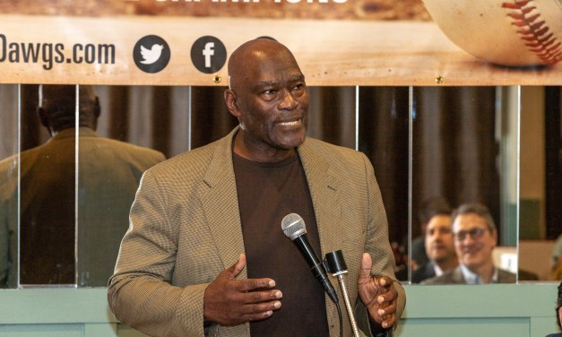 George Foster hits another grand slam with performance at the Mohawk Valley Baseball Hall of Fame dinner