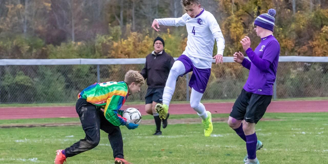 Boys varsity soccer ends season with 8-1 loss