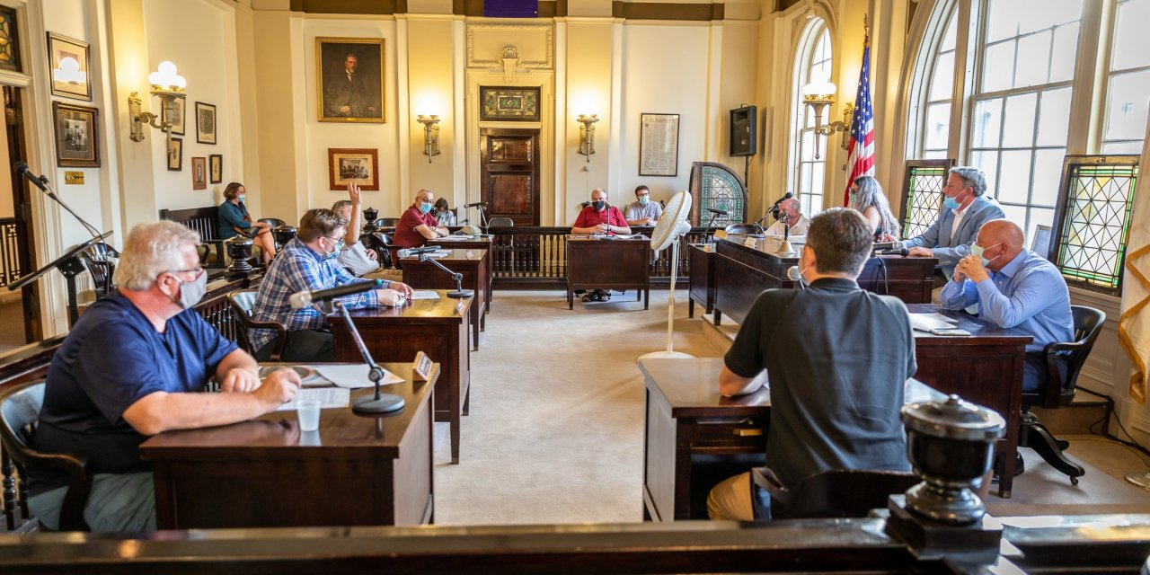 Common Council meets for first time in months in person