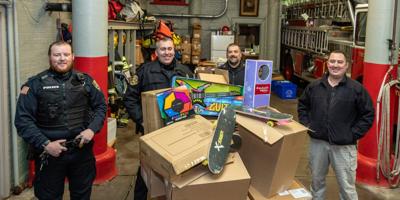 First Responders Children's Foundation Toy Express makes stop in Little Falls