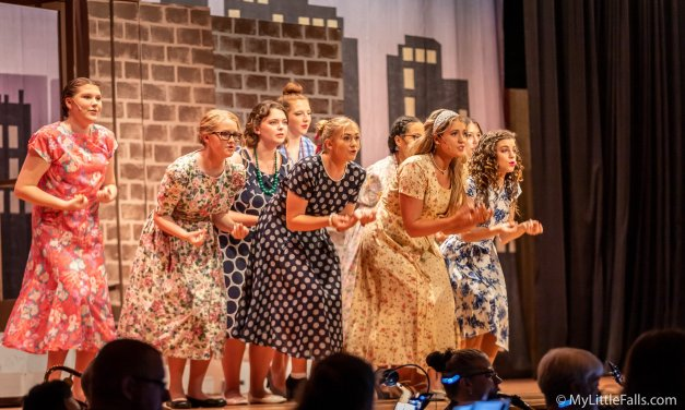 Drama Club delights audience with 'Thoroughly Modern Millie'