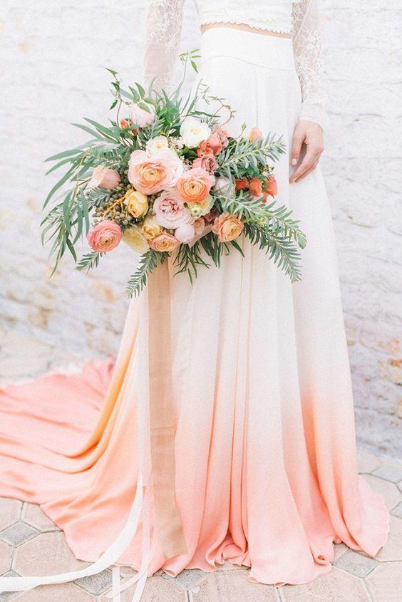 vestido de novia en color living coral pantone 2019