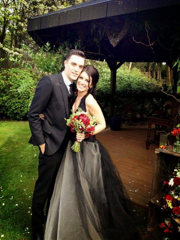 Vestidos-novia-negros