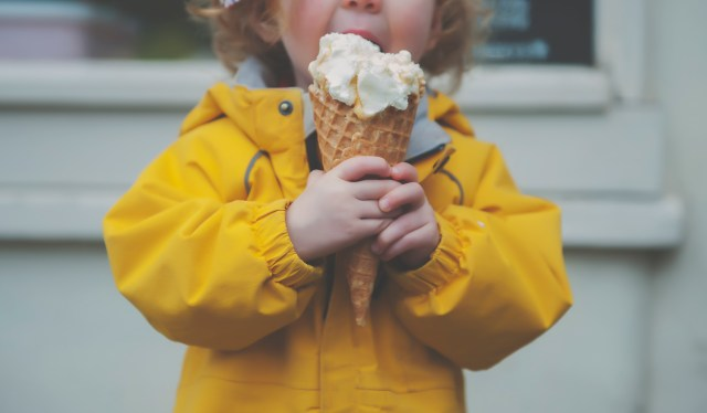 Best gelato edinburgh, best ice cream edinburgh, top 5 ice cream spots edinburgh, edinburgh mum blogger, edinburgh parent blogger, uk parent blogger, uk travel blogger, edinburgh for kids, edinburgh days out, edinburgh for beginners, marys milk bar, crollas leith, the shore, Lucas, musselburgh