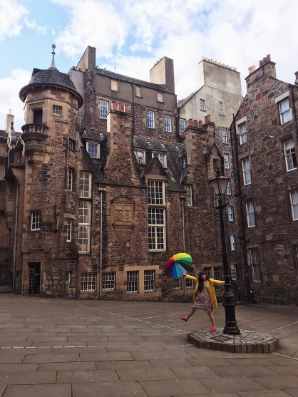 visit scotland, visit edinburgh, historic scotland, this is edinburgh, top places in scotland to visit. Fashion blogger, edinburgh bloggers uk, circus lane edinburgh, rainbow umbrella, writers museum, royal mile edinburgh