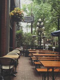 The Lamplighter in Gastown