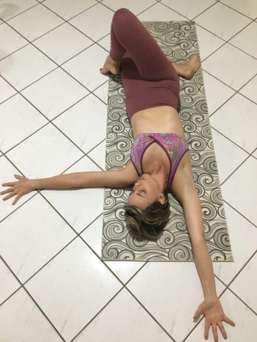 Alba Marina Otero fashion blogger from Mylovelypeople blog shares the benefits of practice restorative yoga