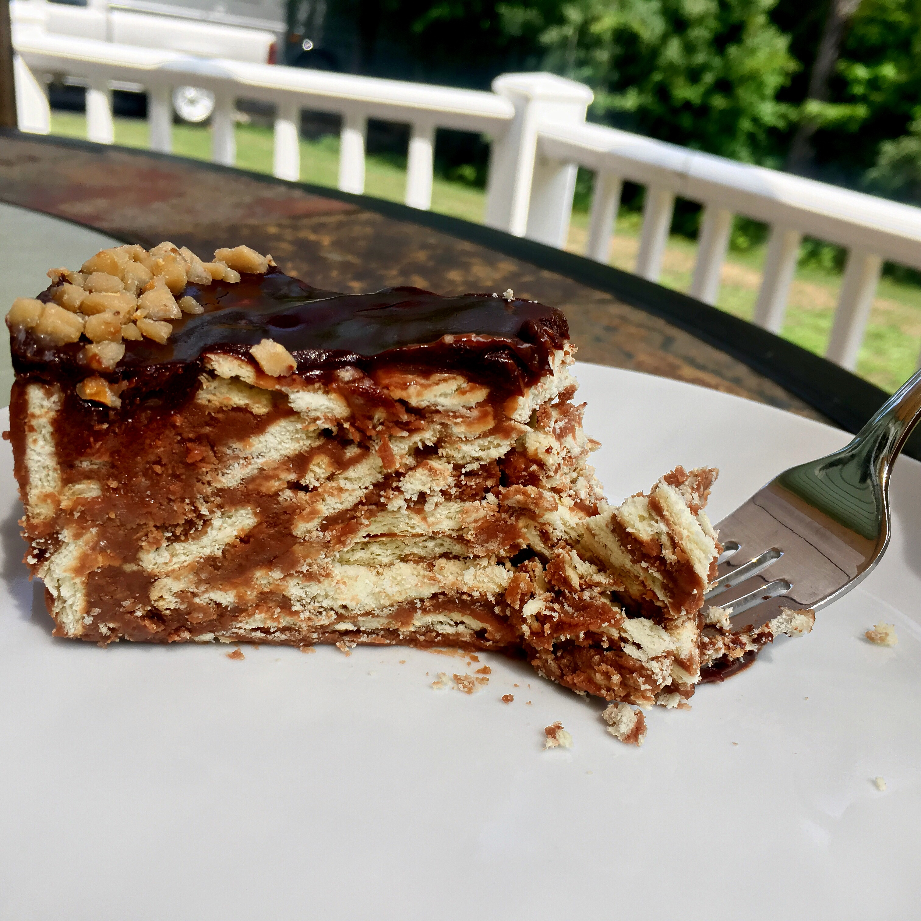 Bernie's Traditional Irish Biscuit Cake via @susanmylovingoven.com