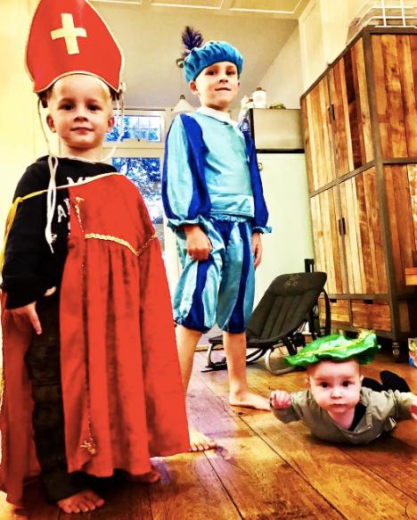 Verkleden als Zwarte Piet en Sinterklaas