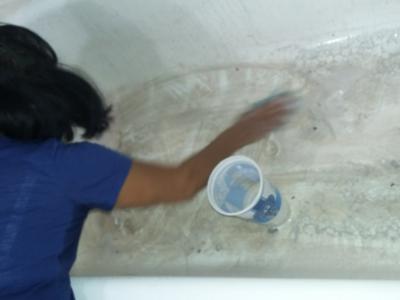 dirty tub, before