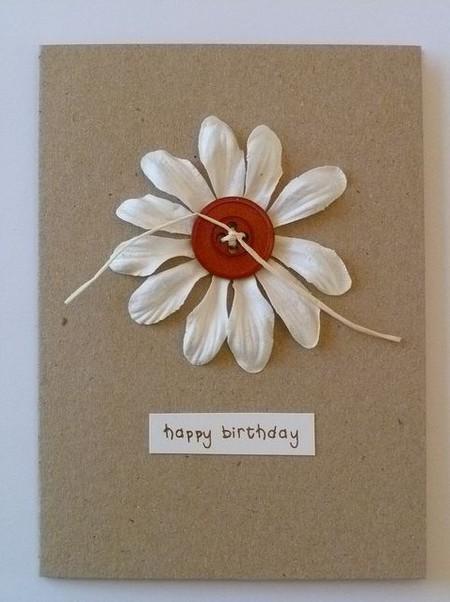Chamomile trắng trên một tấm bưu thiếp