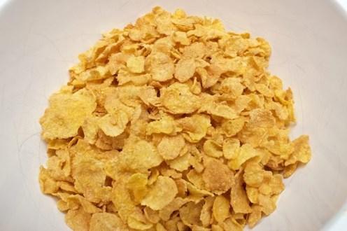 ©-Claudias-Cookbook-Momofuku-Milk-Bars-Cornflake-Chocolate-Chip-Marshmallow-Cookies-1