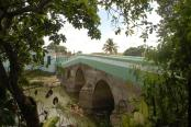 According to official documents, the bridge was at least once painted white and green.