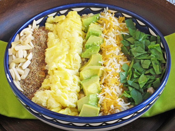Egg, Avocado and Spinach Oatmeal Breakfast Bowl
