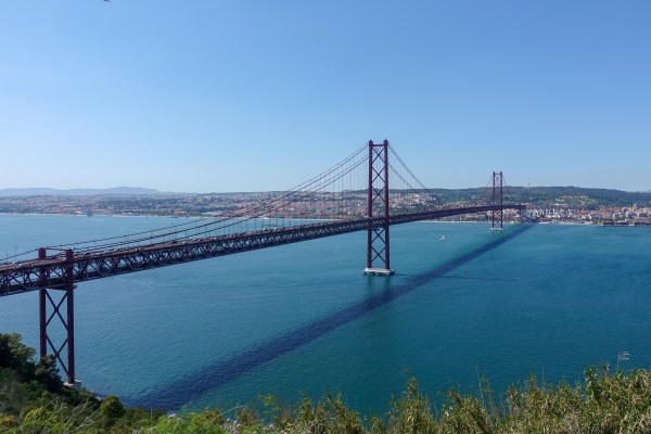 Lisbon_25abril