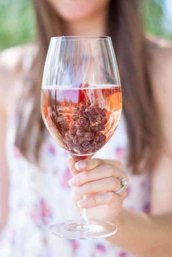 Simple Trick Keep Your Wine Glass Chilled