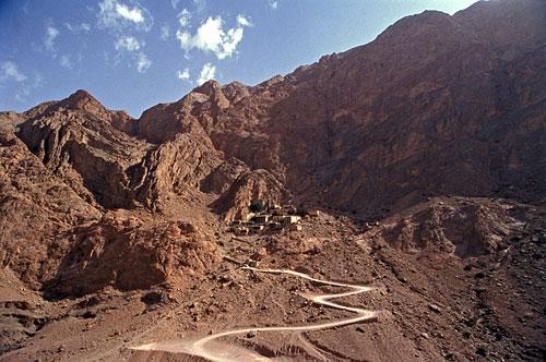 zoroastrian-temple-chak-chak-500
